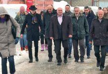 Ministar Trivan i gradonačelnik Loznice Vidoje Petrović sa saradnicima u poseti FAK-u