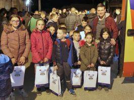 Uručeni pokloni deci na KOSOVU I METOHIJI