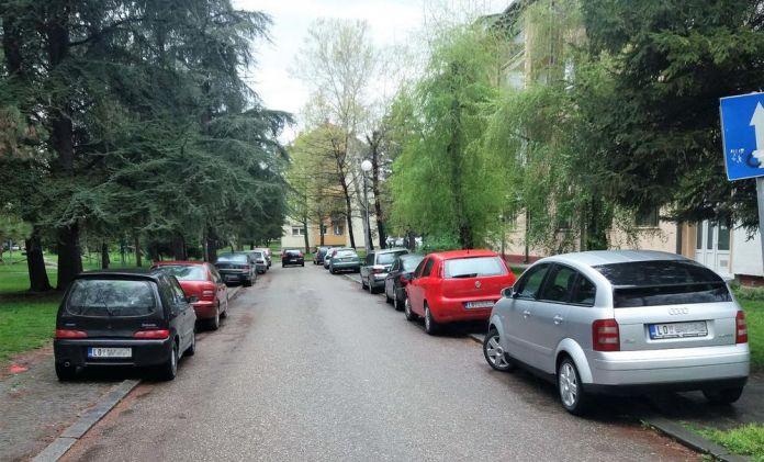 Nepropisno parkiranje u Loznici